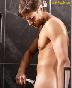 depilación genital masculina de cuchilla